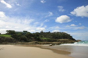 Point Lookout from Main Beach, North Stradbroke Island (image courtesy of Anna Nelson).